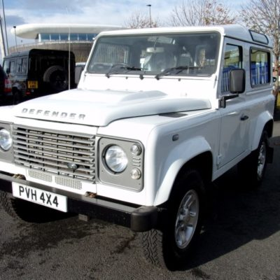 2015/15 Land Rover Defender 90 County Station Wagon 2.2 TDCI 1 Owner County Extras 32,785 Miles